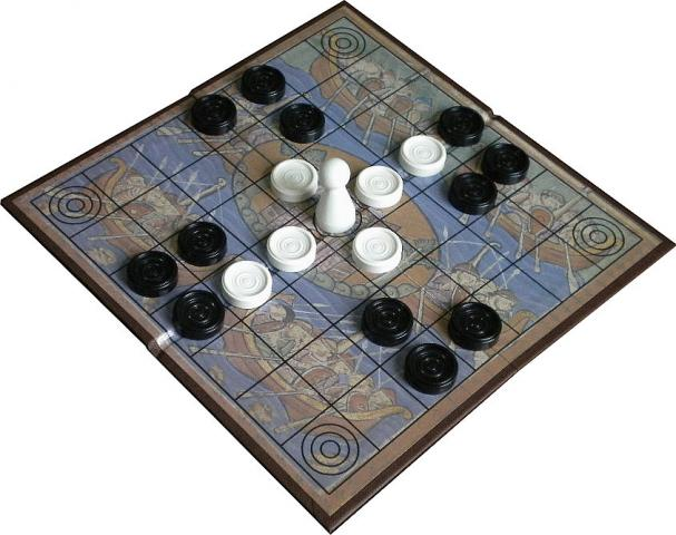 Hnefatafl by Shannon Games